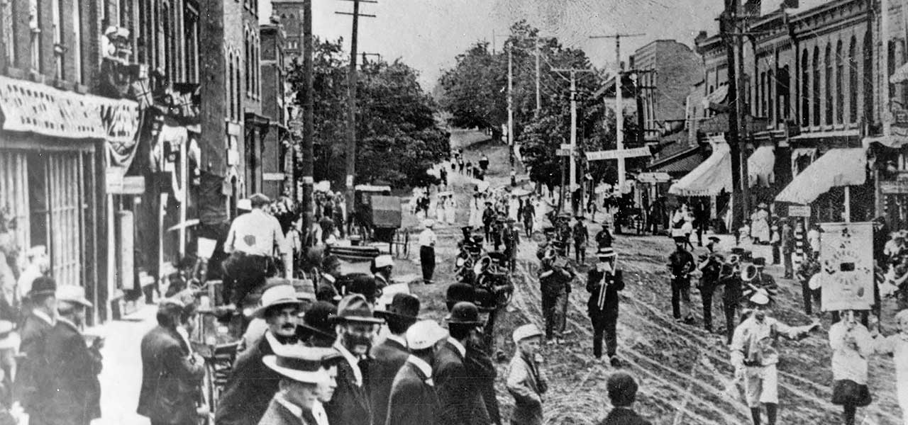 Drummers snack parade on Main Street 1912